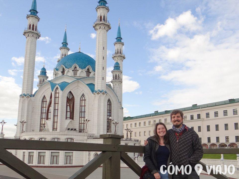 Junto a la Mezquita de Kazan