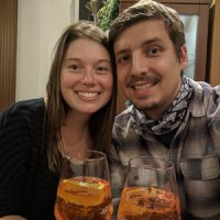 Tomando apperol spritz en Italia