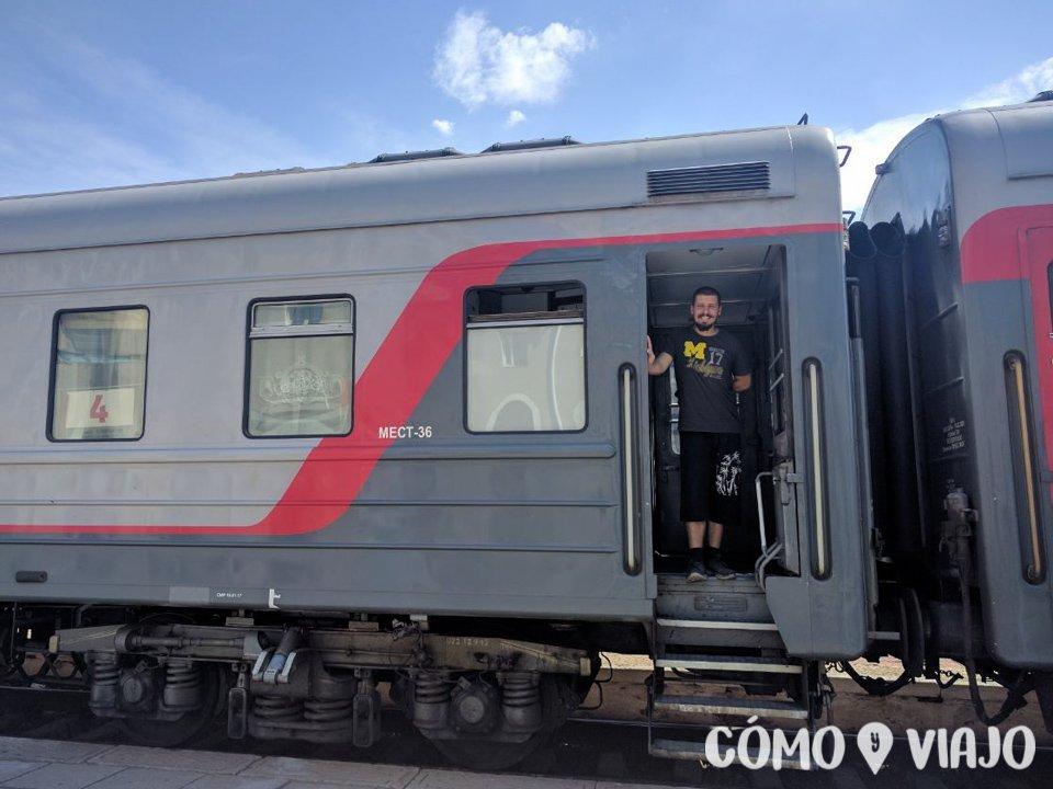 Arriba del tren en San Petersburgo