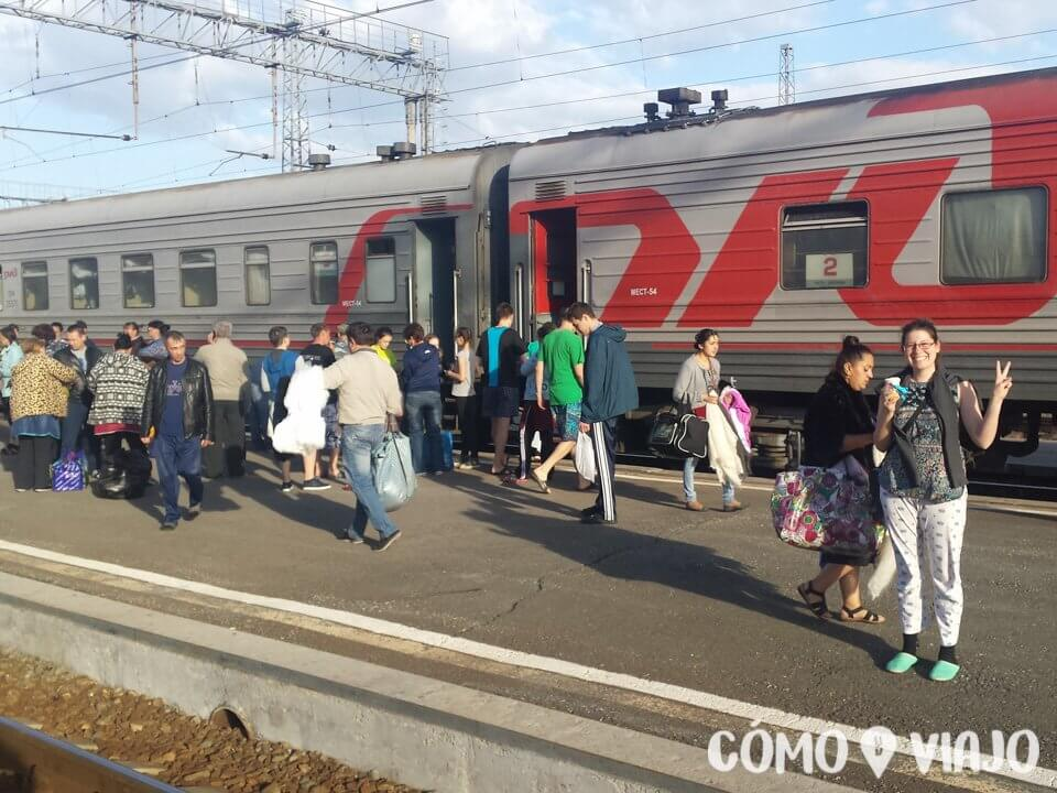 En una de las paradas del tren