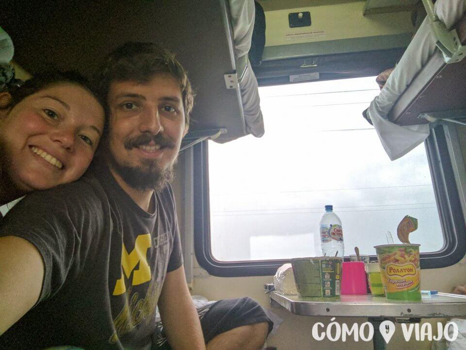 Pasando las horas dentro del tren Transiberiano