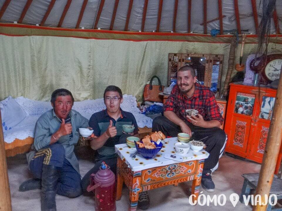 Aprendiendo cómo es la comida en Mongolia