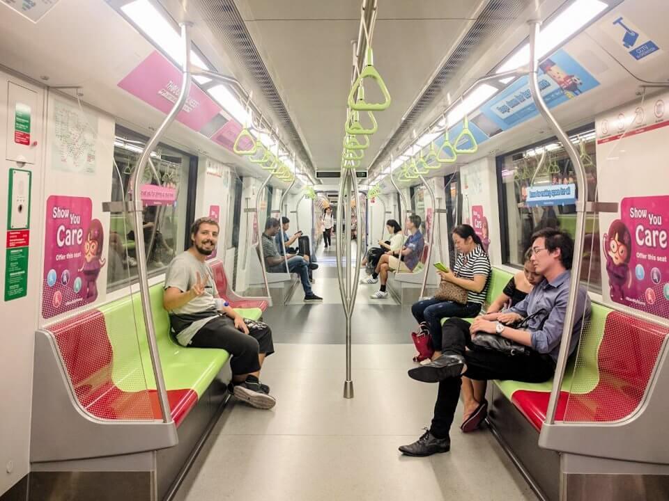 Cómo ir del aeropuerto de Singapur al centro en tren