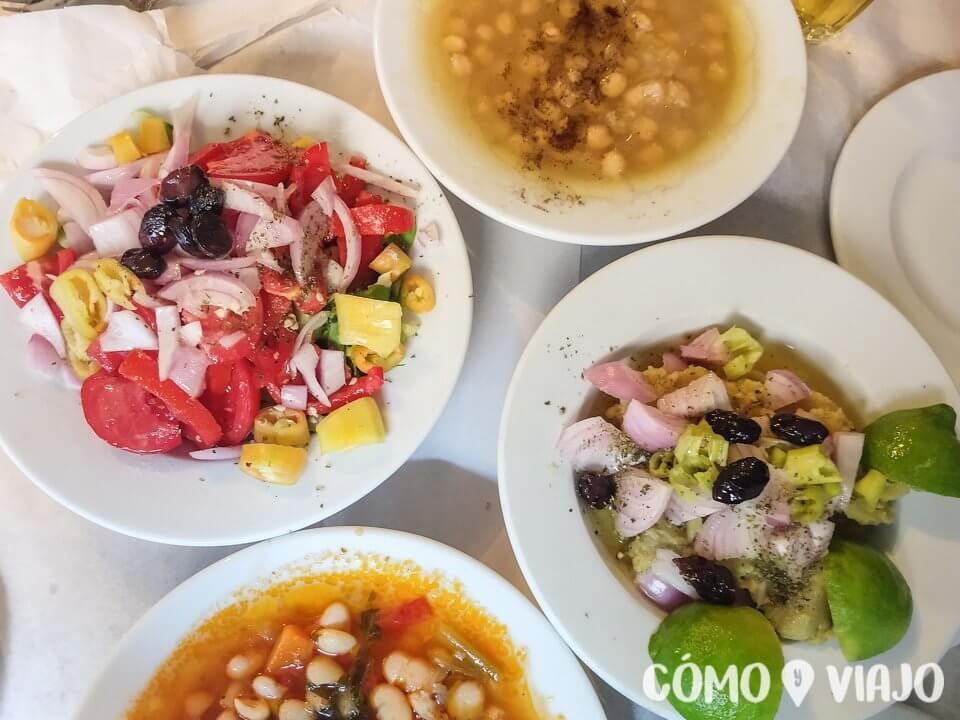 Comer en un viaje a Atenas