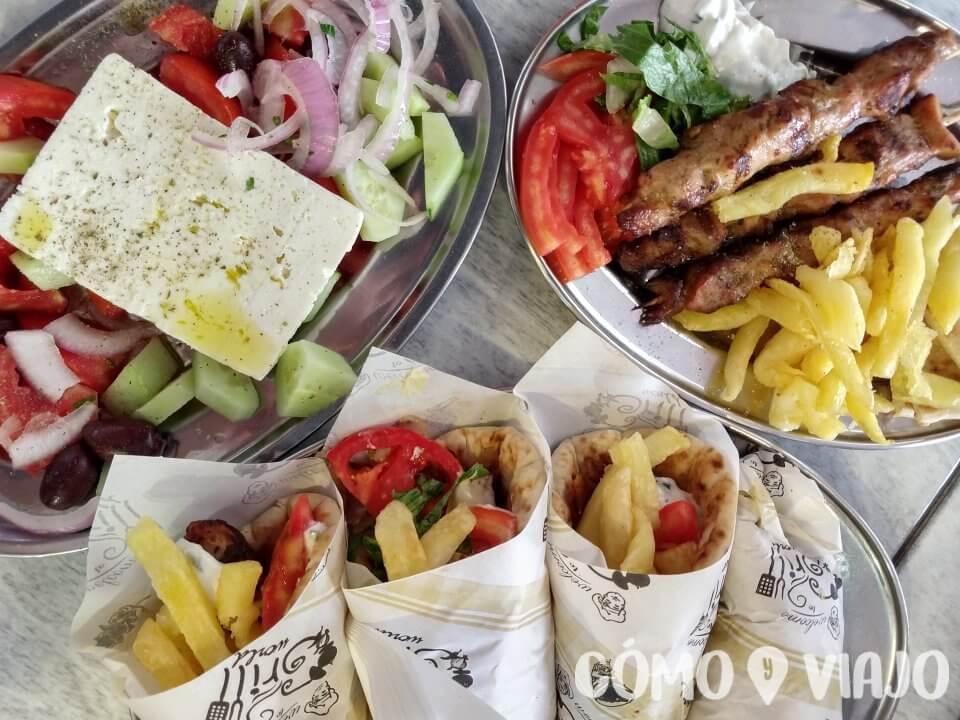 Comer Gyros en Atenas